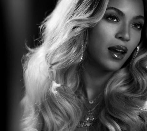 Beyoncé(ビヨンセ)