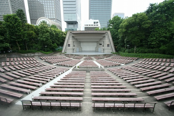 東京日比谷野外大音楽堂