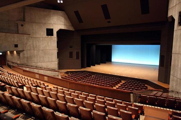 熊本県立劇場演劇ホール